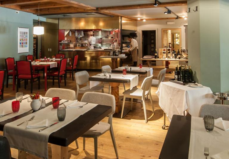 Restaurant Wine Bar & Grill