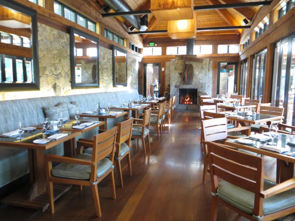 Lakehouse Restaurant